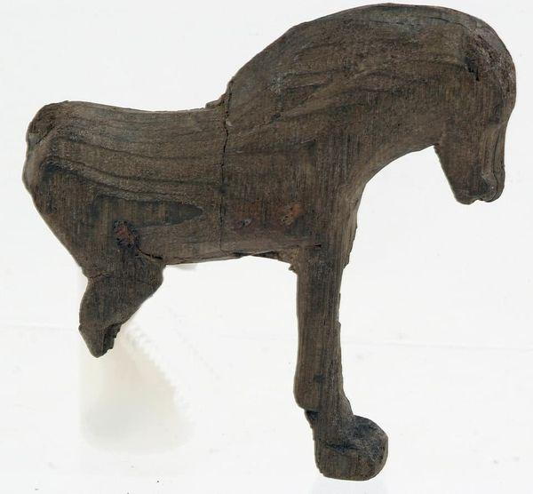 houten-speelgoedpaard-vondst op vrijdag