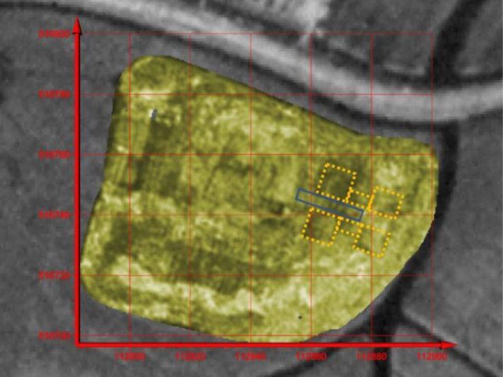Radardata van de barbacane. Met gele stippellijn is de barbacane aangeduid