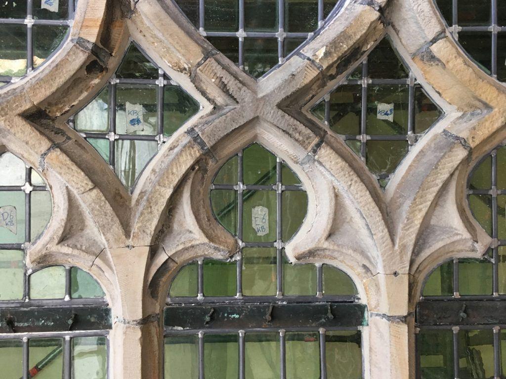 Detailaanzicht van een venster na de restauratie