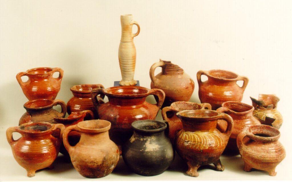 Vondstmateriaal uit de Voordam uit de periode 1350-1450