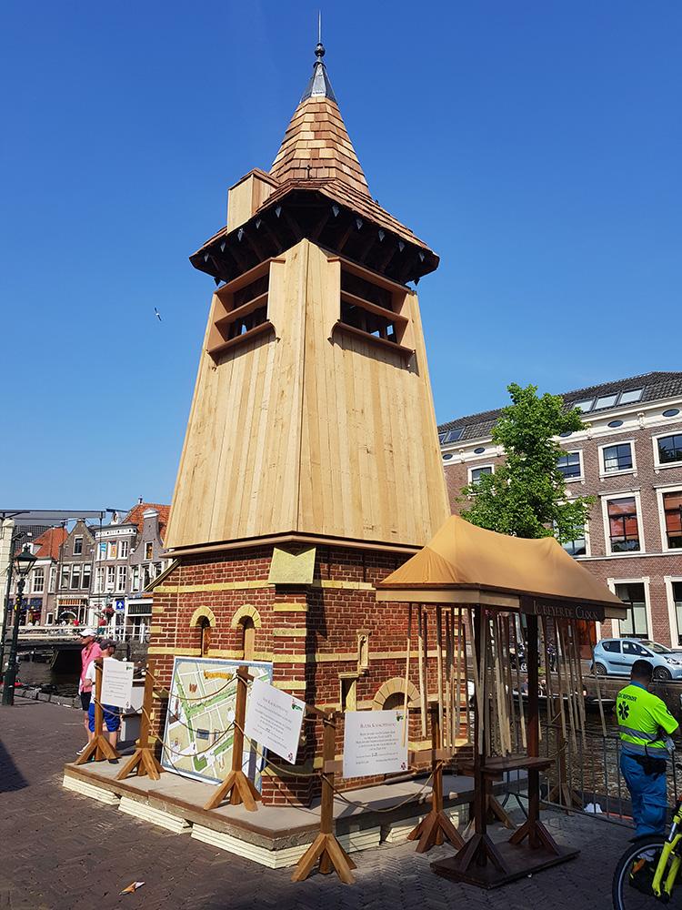 Tijdens Kaeskoppenstad stond de klokkentoren op het Waagplein