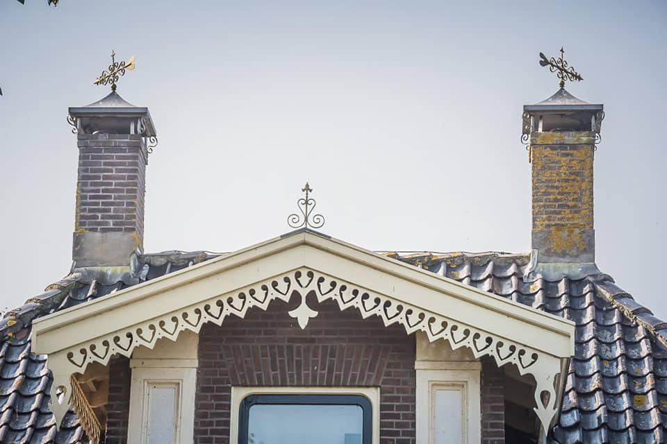Windveren op dakkapel