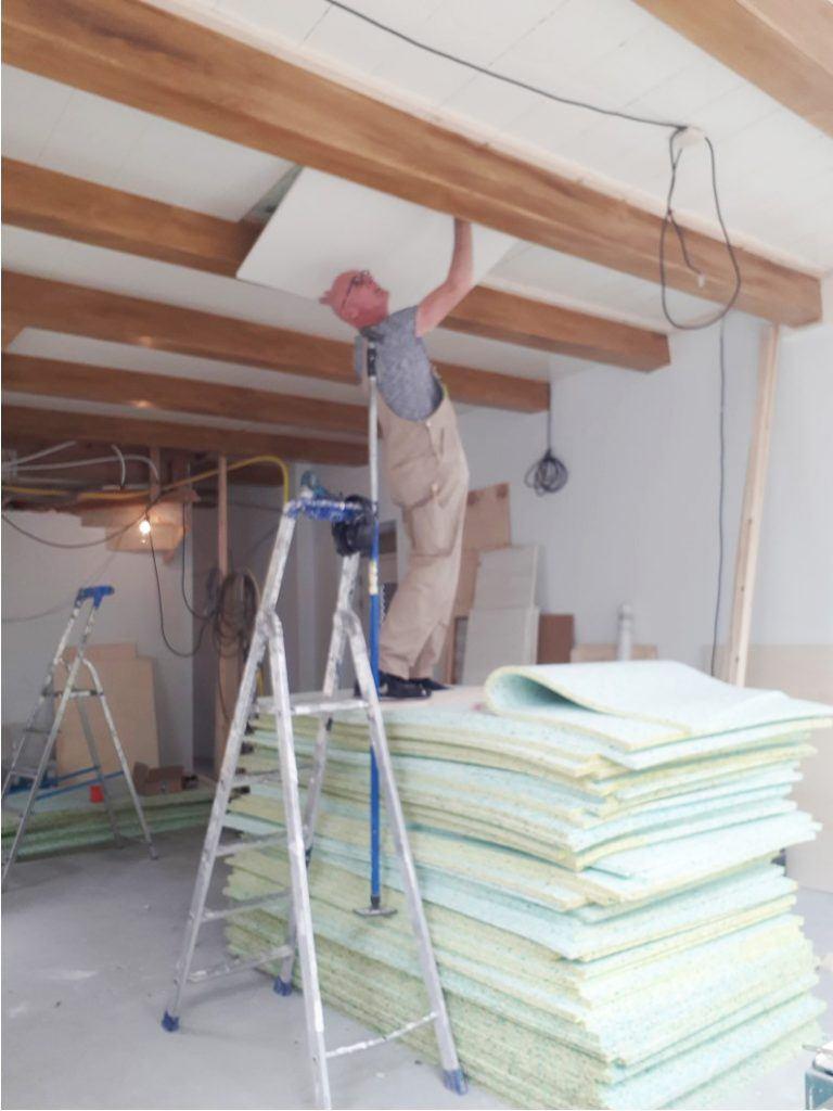 Plafonddelen vervangen