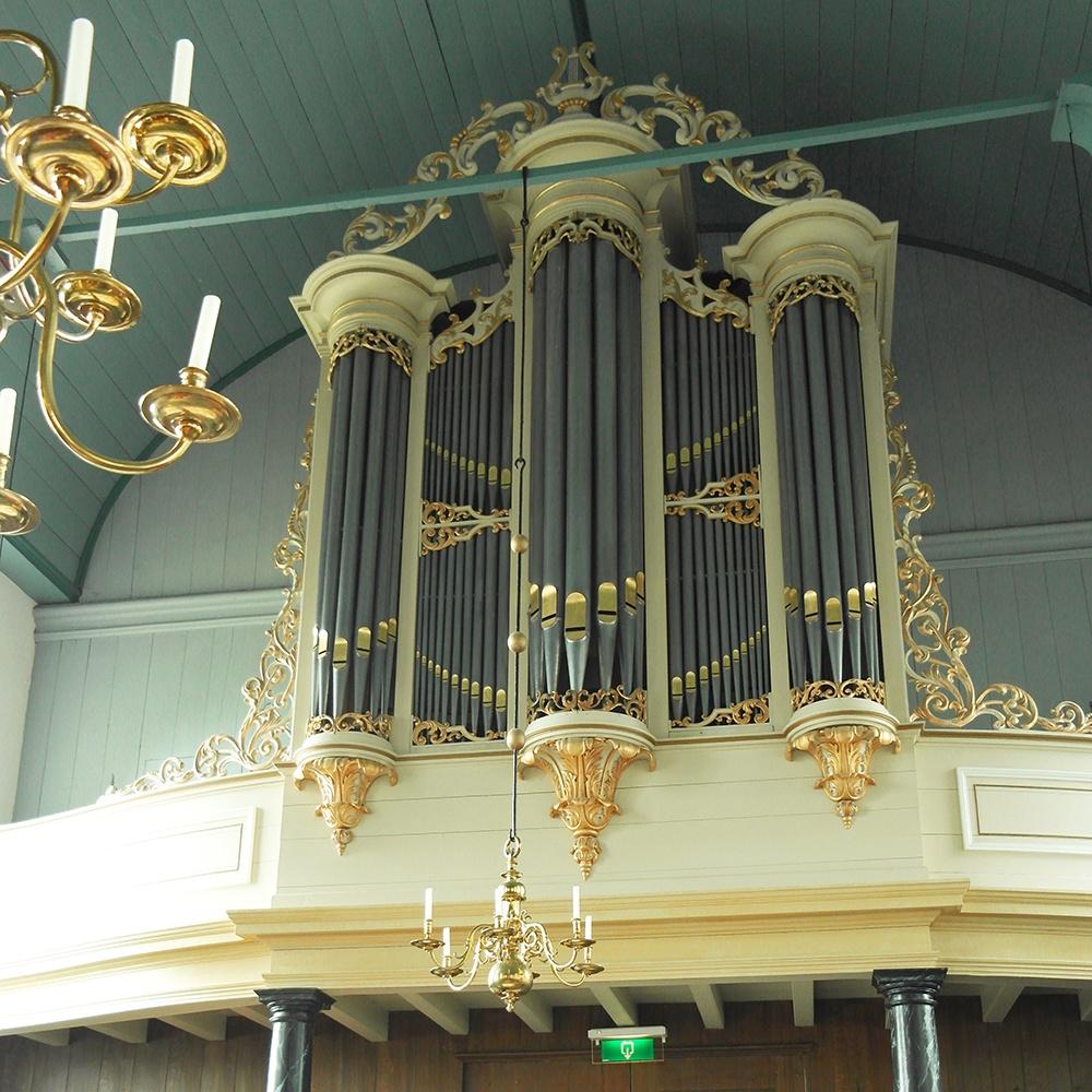 Orgel in de dorpskerk Grootschermer (foto Jan Zwart)