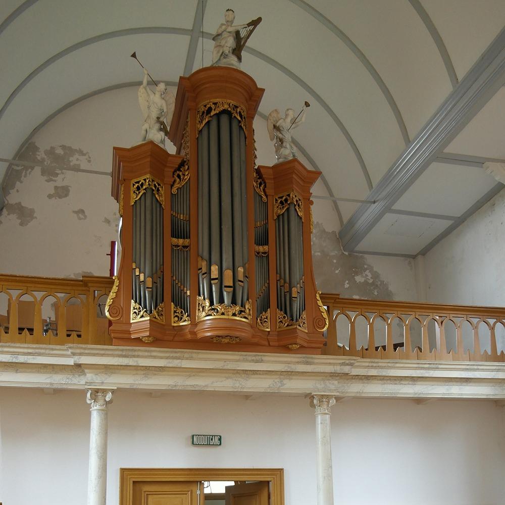Orgel in de Noordeinder Vermaning (foto Jan Zwart).