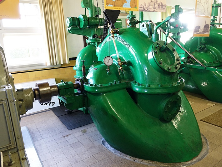 Een oude centrifugaalpomp van de firma Stork-Hengelo
