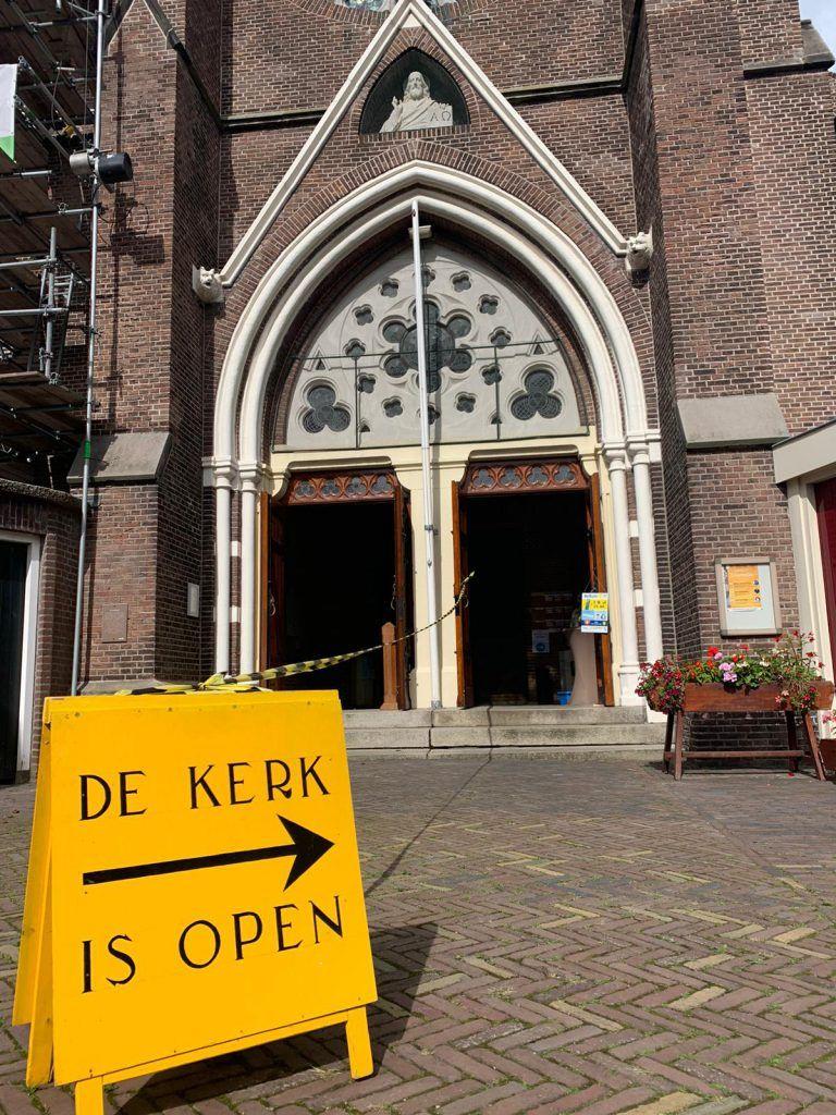 De Laurentiuskerk aan het Verdronkenoord is open
