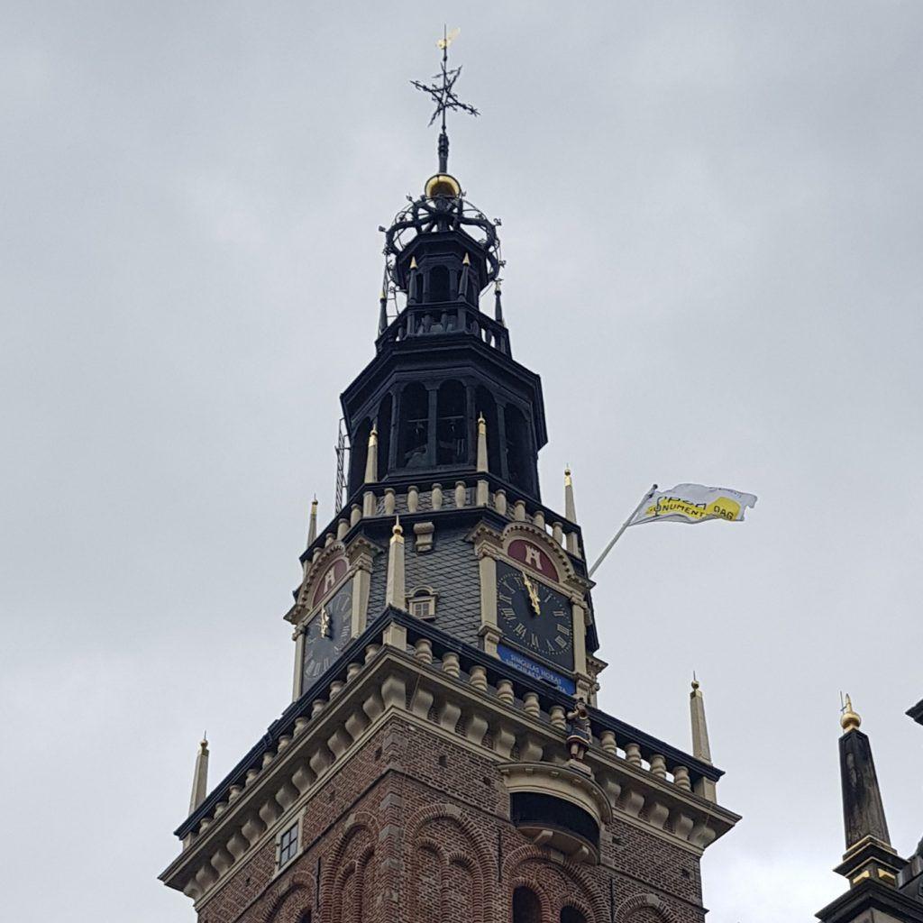 De Open Monumentendagvlag op de Waagtoren