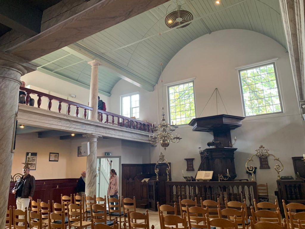 De Remonstrantse kerk aan het Fnidsen