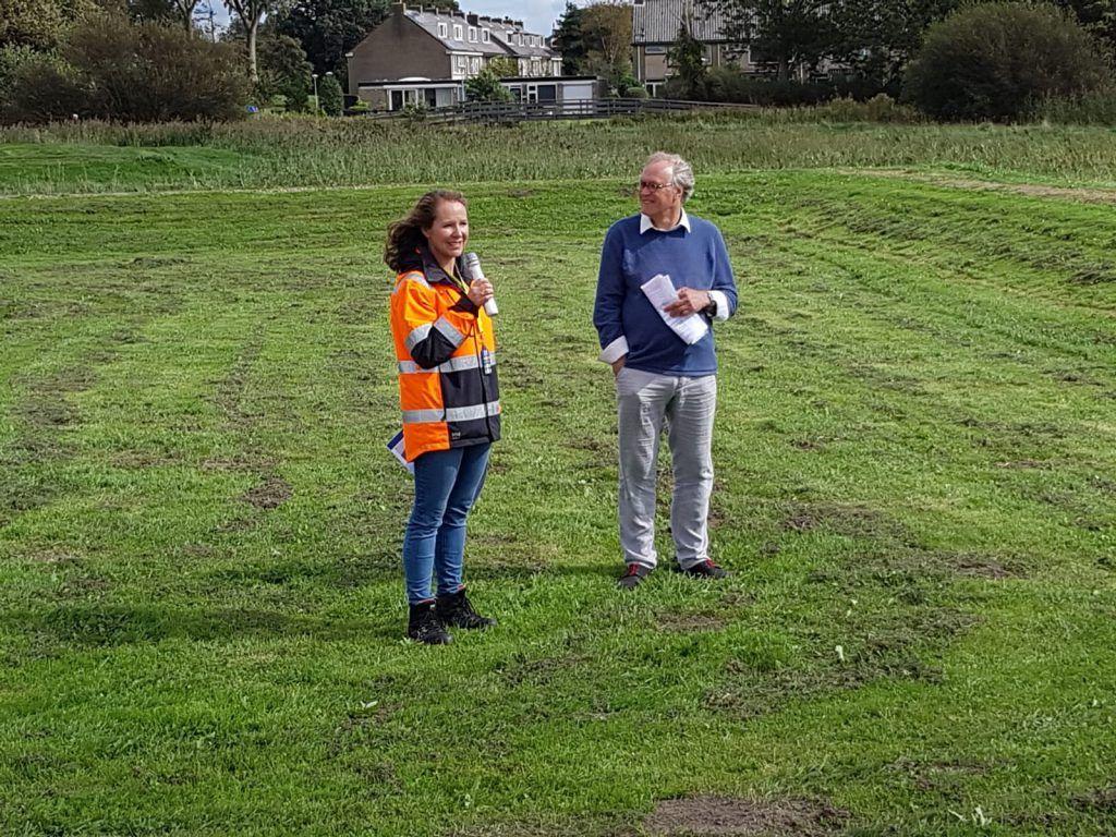 Stadsarcheologe Nancy de Jong vertelt over de gevonden resten van kastelen in Oudorp